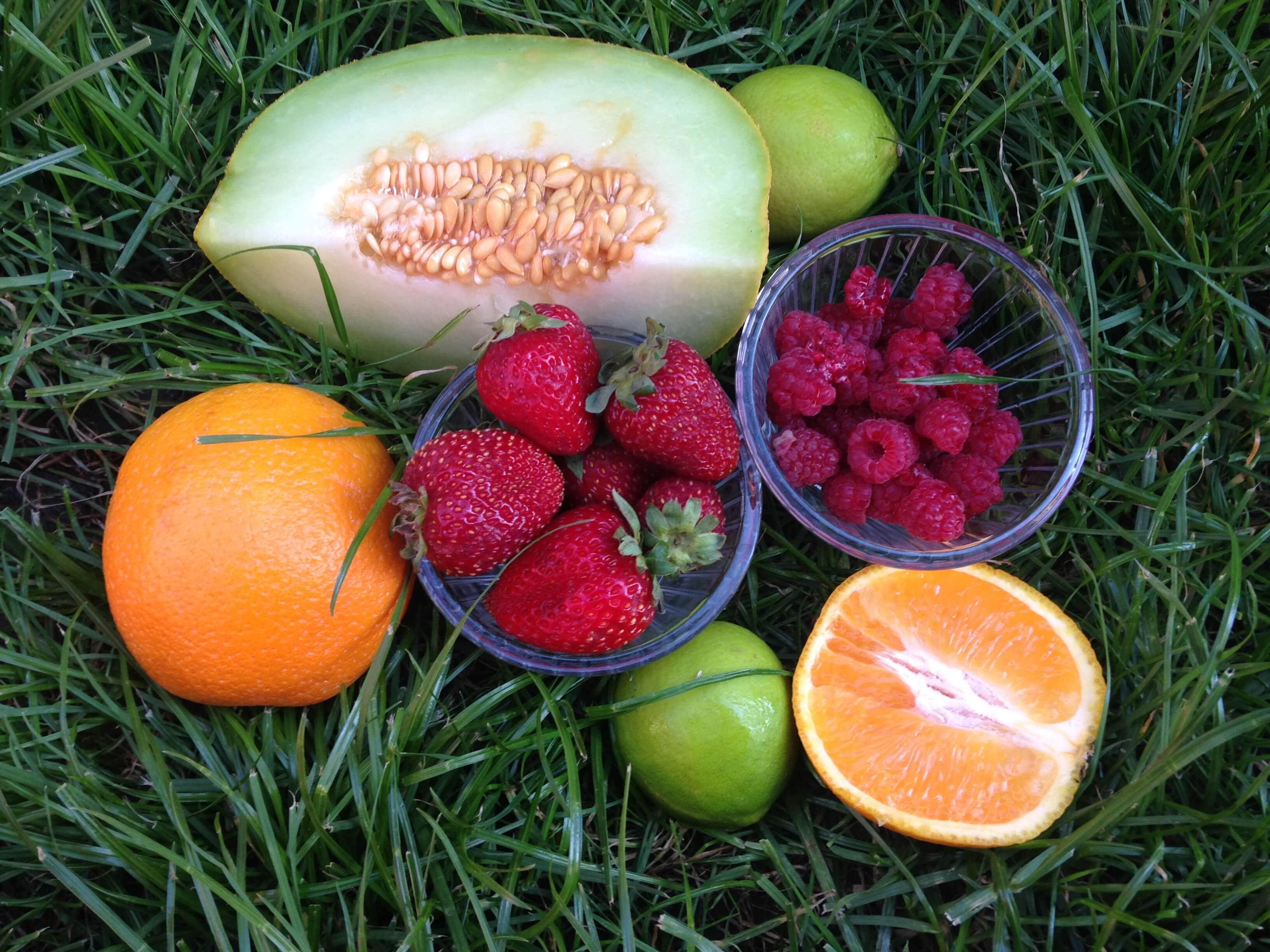 Jus de fruits frais en été