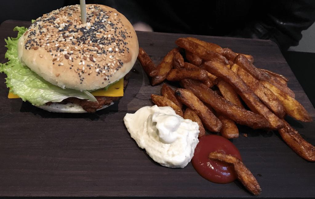 cheeseburger vegan velicious